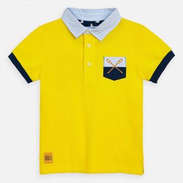 Schickes Kurzarm Poloshirt in Sonnengelb mit Blau Weiß gestreiftem Hemdkragen von MAYORAL 3156