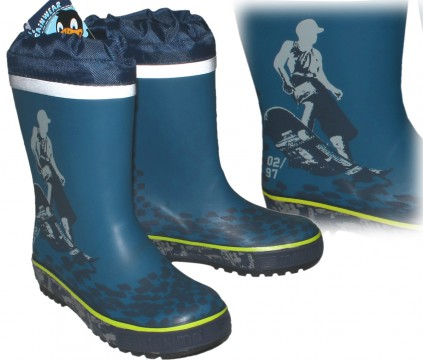Cooler Gummistiefel aus Naturkautschuk in Jeansblau SKATER Motiv von MAXIMO 73203-806000